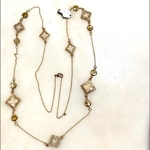 NWT Necklace like a famous high style fashion